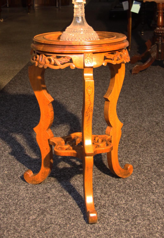 K35b, Tischchen