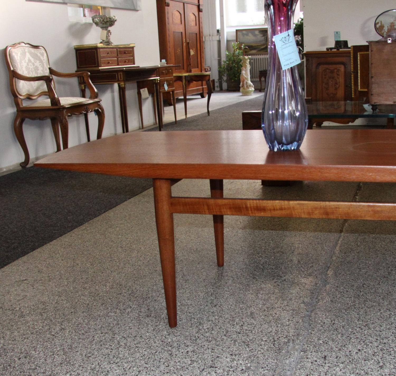 nd03b. Coutch Tisch.