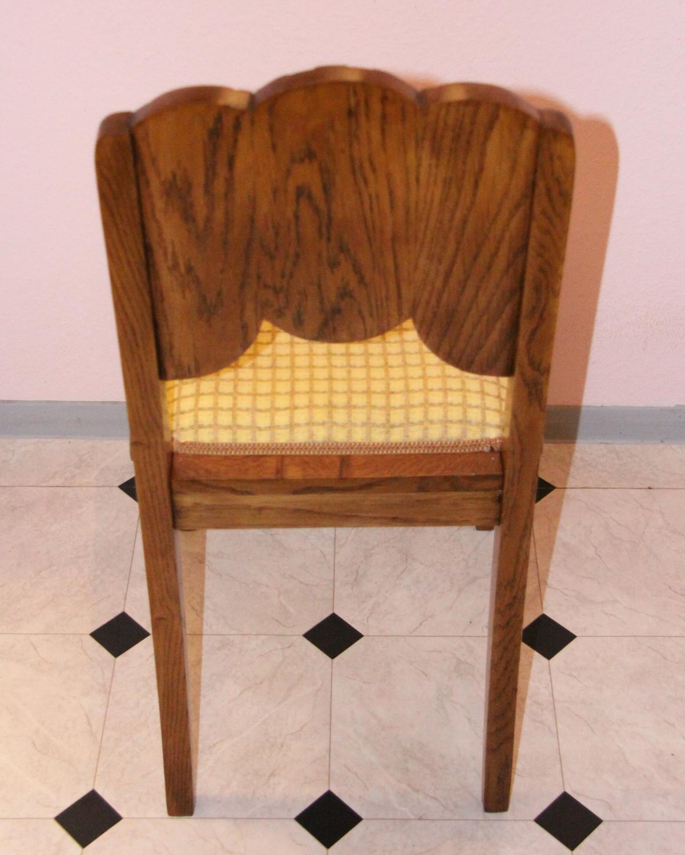 t31b. Antike Stuhlsatz.